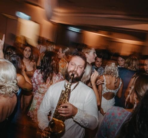 Wedding DJ & Saxophone – Robbie